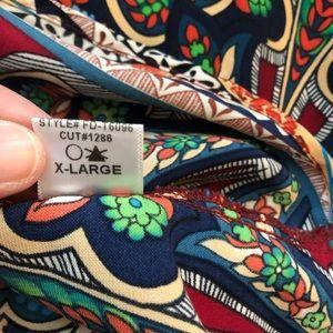 Gibson Latimer Tops - Gibson Latimer Paisley V Neck Long Sleeve